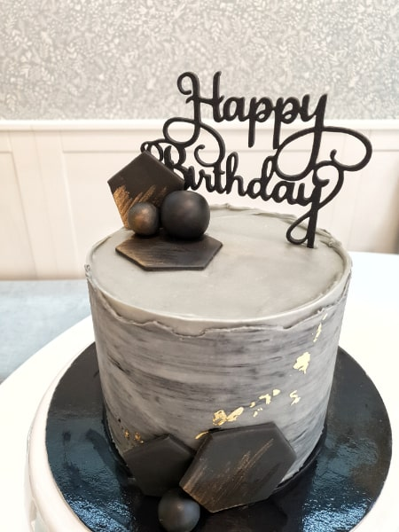 porcukor kezmuves cukraszmuhely szeged design torta referencia szurke geometrikus